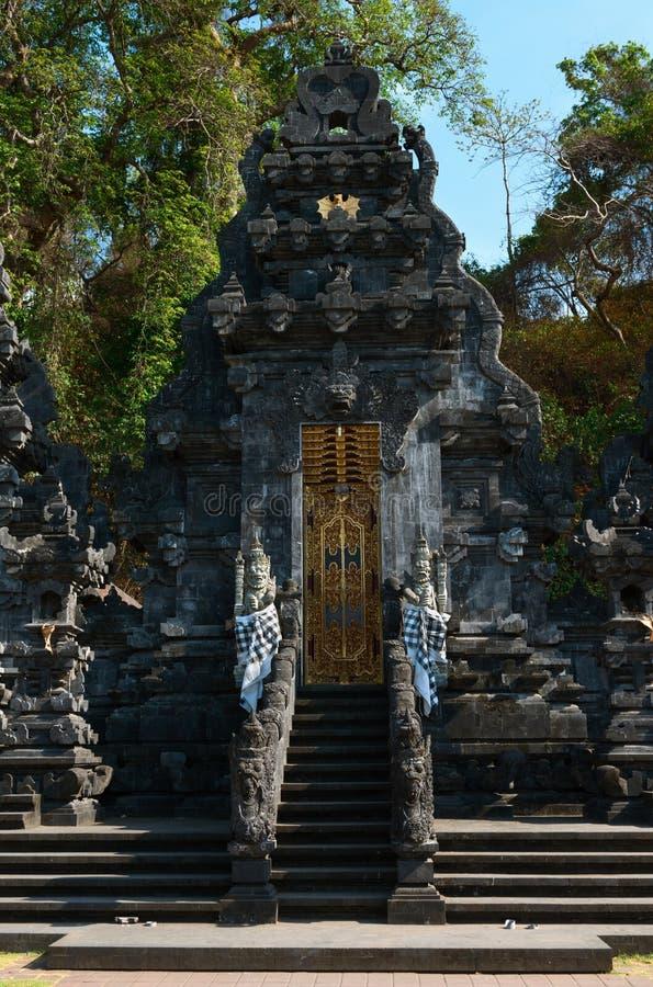 Templo de la cueva del palo de Goa Lawah, Bali, Indonesia imagenes de archivo