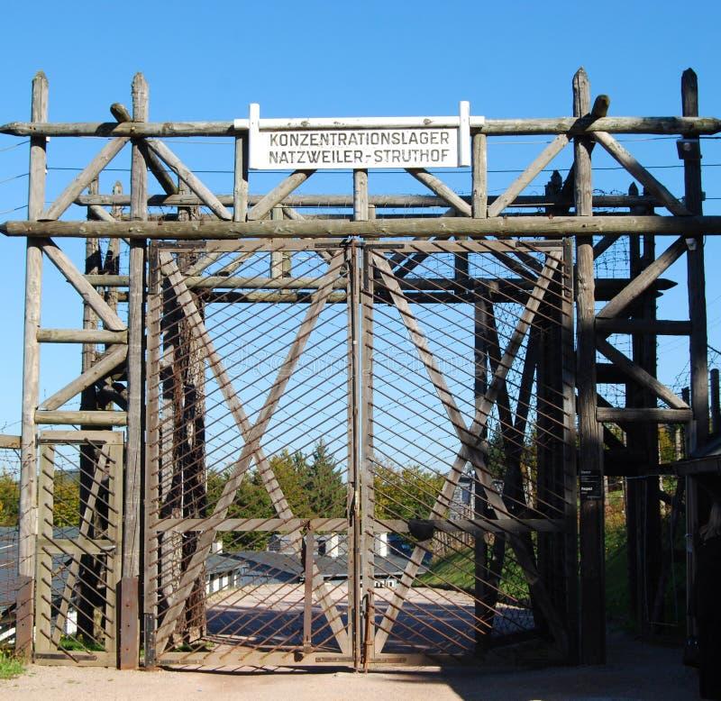 Encante las puertas en el campo de concentración de Natzwiller-Struthof, Francia foto de archivo libre de regalías