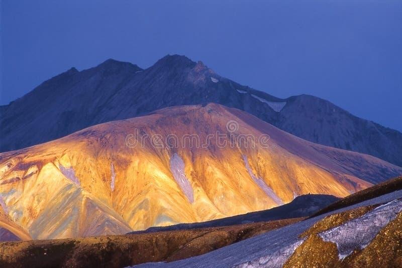 Encanto asoleado de la montaña fotos de archivo