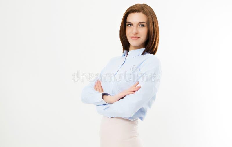 Encargado joven confiado en el fondo blanco - retrato de la mujer de negocios Brazos cruzados fotografía de archivo libre de regalías
