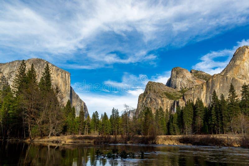 Encenação bonita no parque nacional de Yosemite, Califórnia foto de stock royalty free