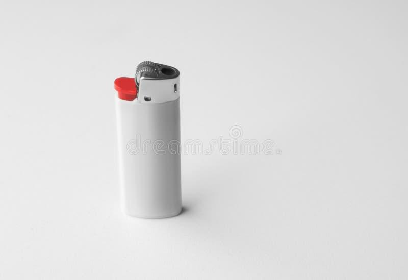Encendedor en blanco del cigarro fotos de archivo