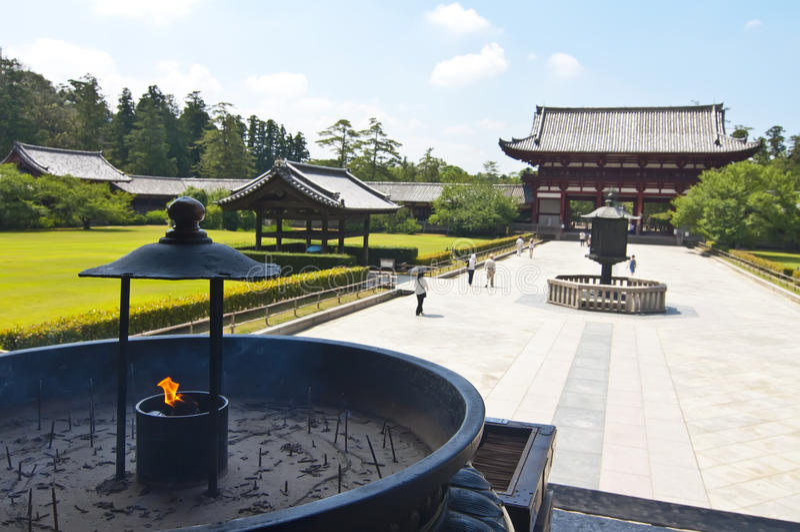Encens dans le temple de Todai-ji de Nara, Japon images stock