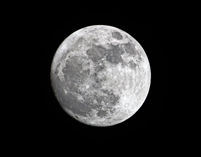 Encerar la luna estupenda gibosa cerca de su perigeo fotografía de archivo libre de regalías