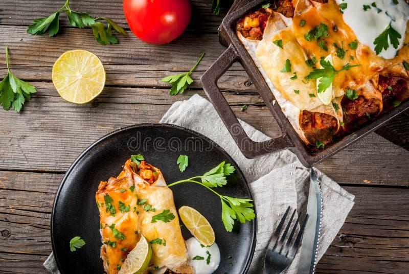 Enchiladas piccanti del manzo immagini stock libere da diritti