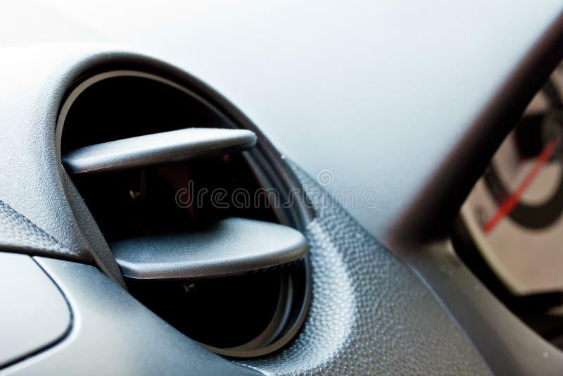Enchufe del aire acondicionado del coche imagen de archivo