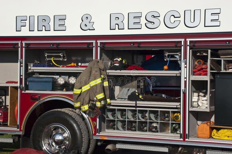 Encienda el concepto del rescate, primer del Firetruck de la emergencia fotos de archivo