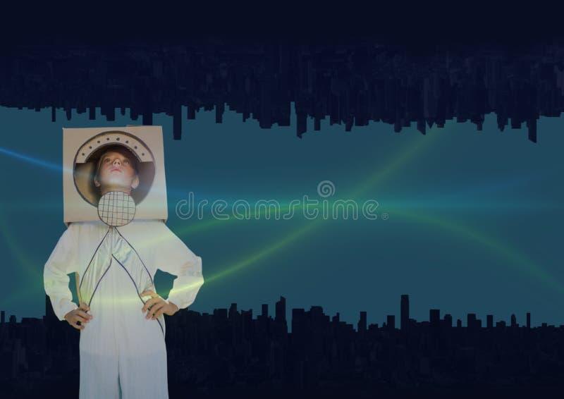 encima del lado de ciudad abajo luces verdes y azules en el cielo con el muchacho astronáutico fotografía de archivo libre de regalías