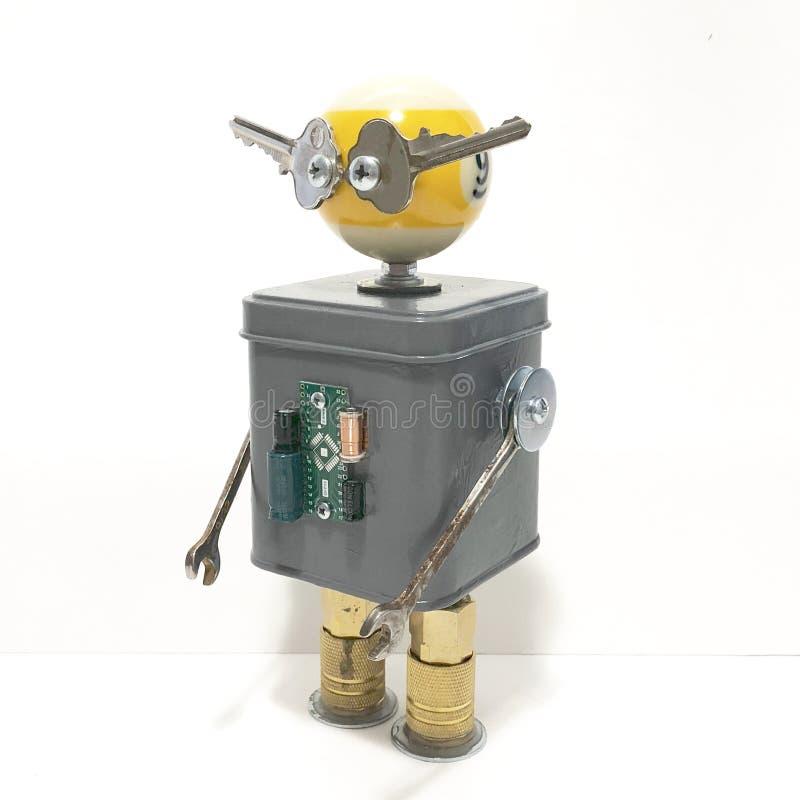 Encontrado se opone la escultura del robot foto de archivo