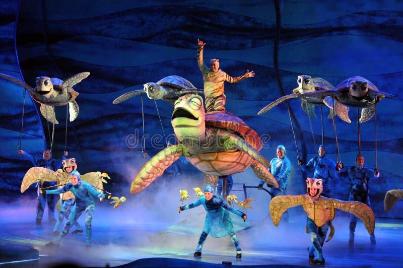 Encontrar el juego de Nemo en el mundo de Disney fotos de archivo