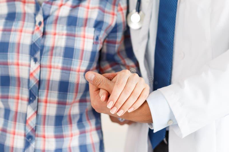 Encourager et appui de patient photos libres de droits