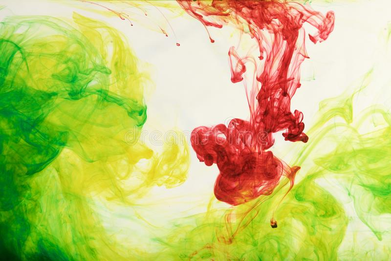 Encres dans l'eau, abstraction de couleur, explosion de couleur image libre de droits