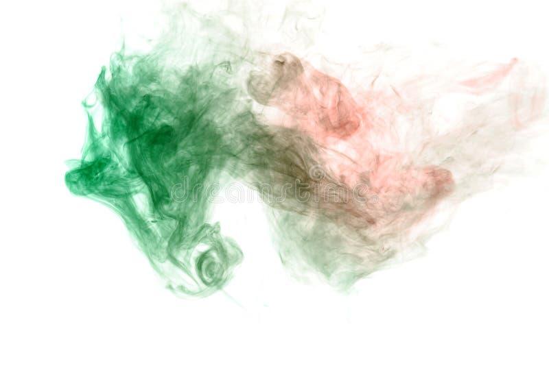 encres ondulées et motifs de fumée en vert et rouge sur fond blanc. Copie pour des v?tements. Maladies et virus photos libres de droits