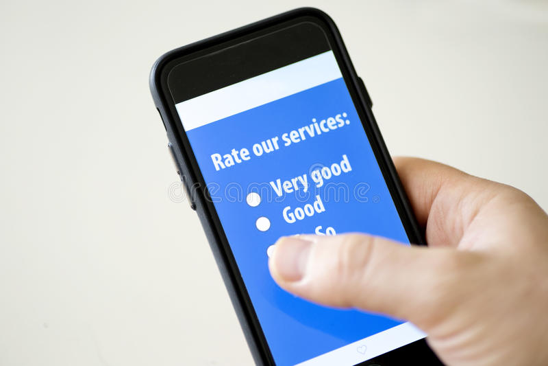 Encuesta sobre teléfono móvil foto de archivo libre de regalías
