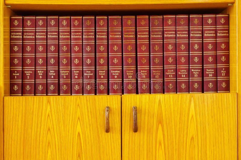 Encyklopedia Britannica, wydanie z 1965 r. fotografia royalty free