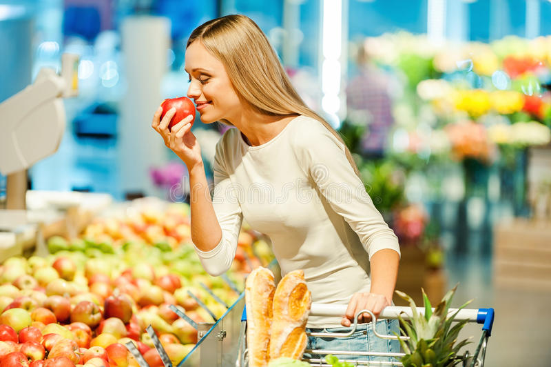 Endast de bästa frukterna och grönsakerna royaltyfria bilder