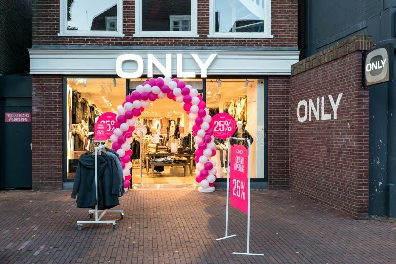 Endast filial i Sneek, Nederländerna arkivfoto