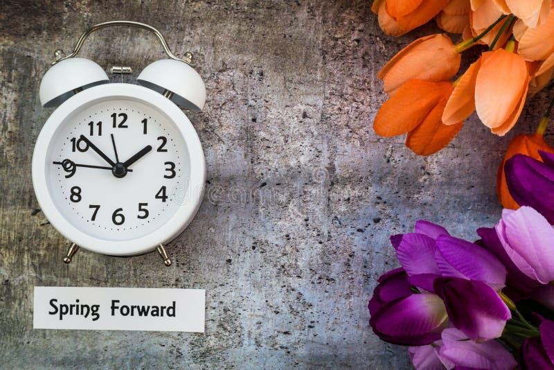 Endecha delantera del plano del concepto de la primavera del tiempo del horario de verano fotografía de archivo libre de regalías