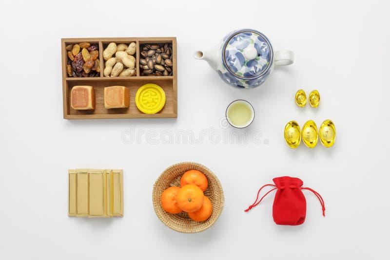 Endecha plana de los accesorios lunares y del concepto chino del fondo del día de fiesta del Año Nuevo imagen de archivo