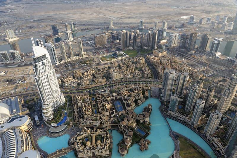 Endereço Dubai do centro visto de Burj Khalifa imagem de stock
