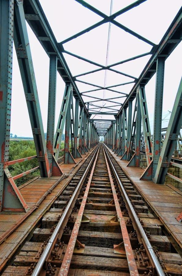Free Endless Bridge Royalty Free Stock Image - 22165376