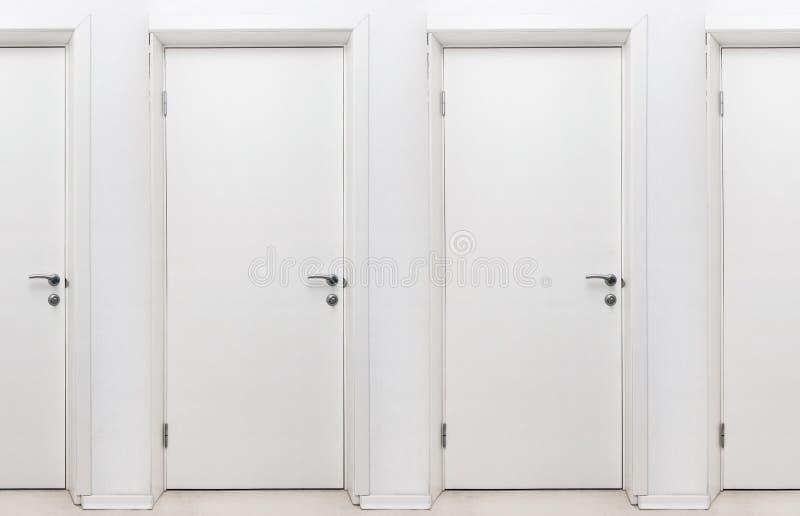 Endlose Türen stockfoto