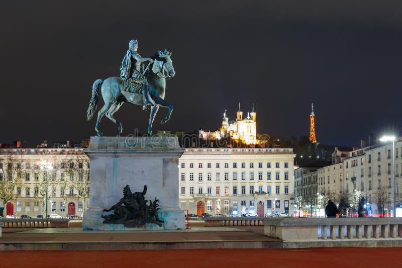 Endroit Bellecour de nuit la nuit, Lyon, France photographie stock