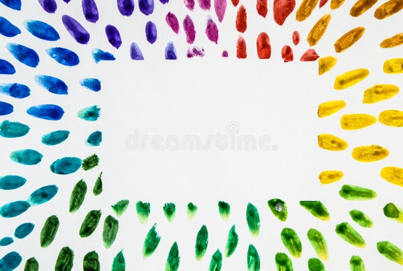 Endroit coloré de baisses d'arc-en-ciel de courses de cadre d'aquarelle pour le texte, l'espace de copie sur le fond blanc photographie stock libre de droits