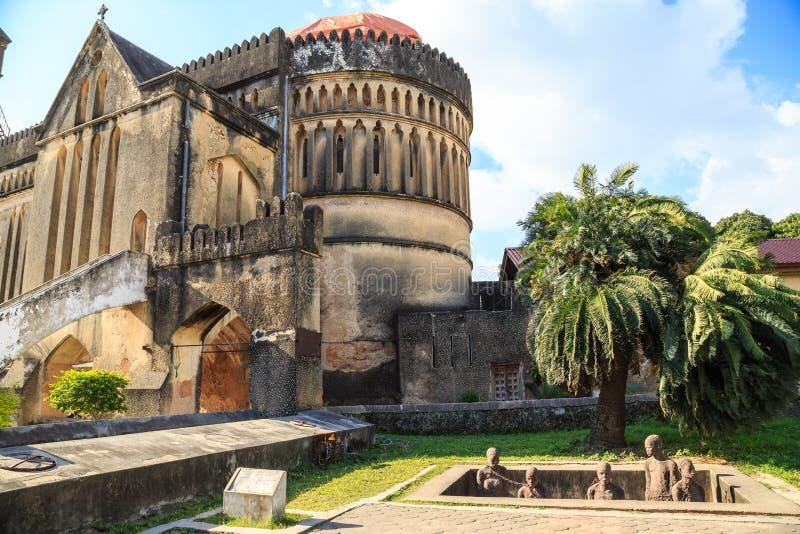 Endroit commémoratif pour les esclaves près de la cathédrale dans la ville Z de Stown image stock