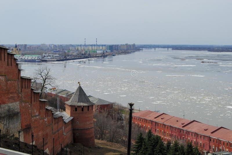 Endroit du confluent de deux rivières dans Nijni-Novgorod photographie stock