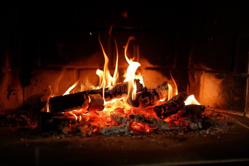 Endroit du feu à la maison photo stock