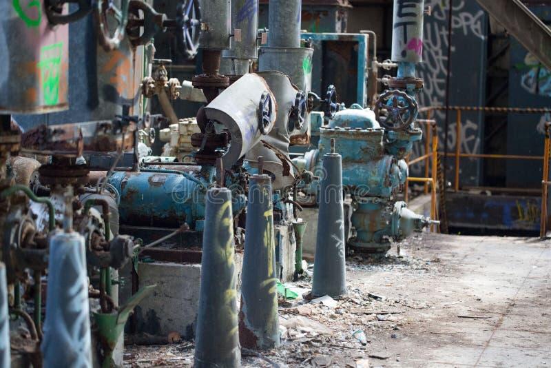 Endroit perdu, valves de production combinée, vieille maison photographie stock