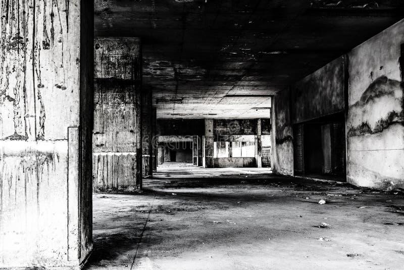 Endroit vivant de construction abandonné de fantôme image libre de droits