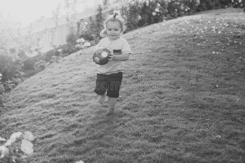 Energía de la niñez, actividad, salud foto de archivo libre de regalías