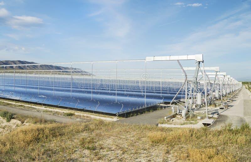 Energía renovable: Solar como la mejor manera de producir energía verde imagenes de archivo