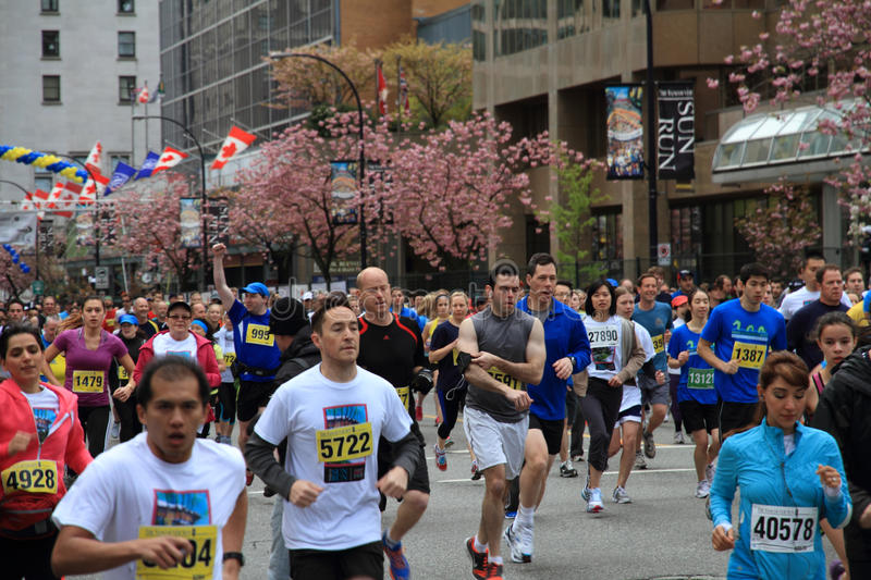 Download Energetic Racers At The 2013 Vancouver Sun Run Editorial Stock Image - Image: 30563249