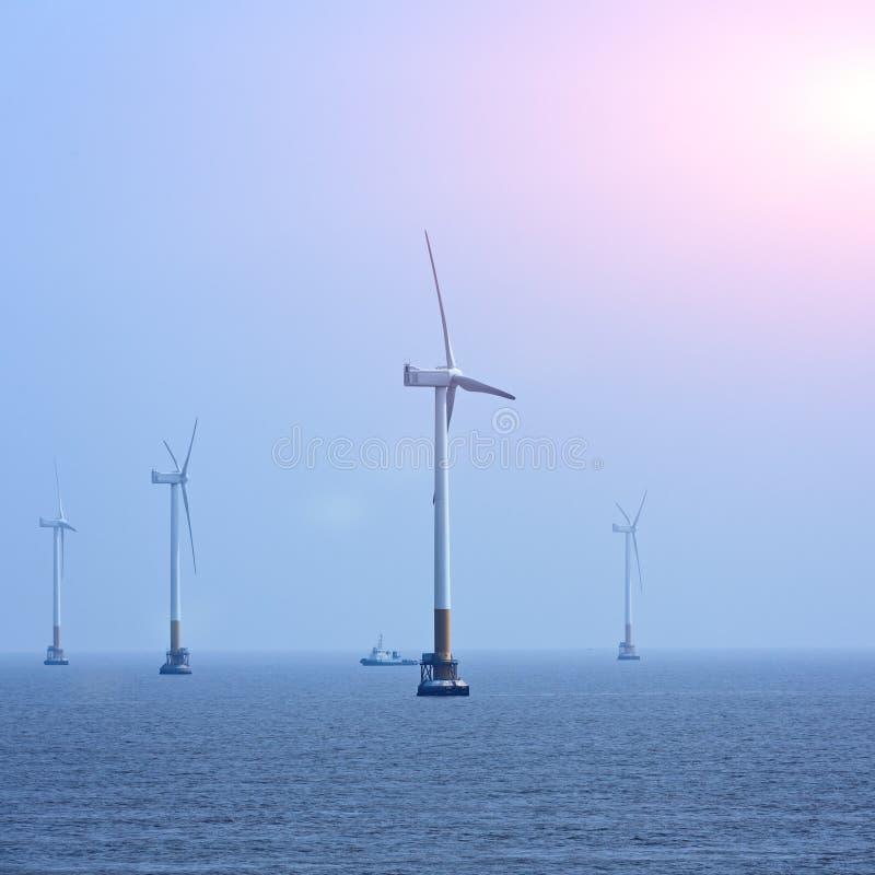 Energi för frånlands- vind arkivbild