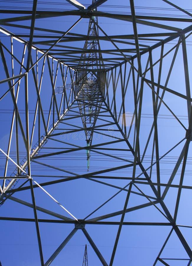 Energia d'acciaio di potere dell'idro cavo delle torri fotografie stock libere da diritti