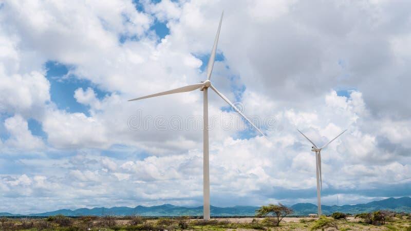 ENERGIA DAS TURBINAS EÓLICAS imagens de stock royalty free
