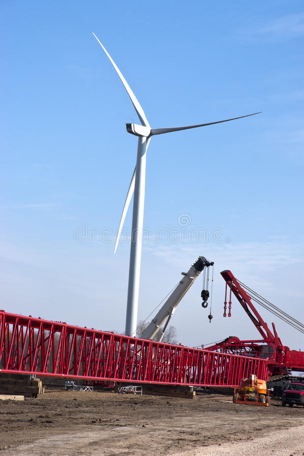 Energia di vento del cantiere della turbina del mulino a vento fotografia stock libera da diritti