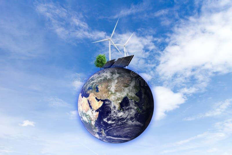 Energia limpa de produção de eletricidade da turbina eólica da energia solar dos elementos desta imagem fornecidos pela NASA foto de stock royalty free