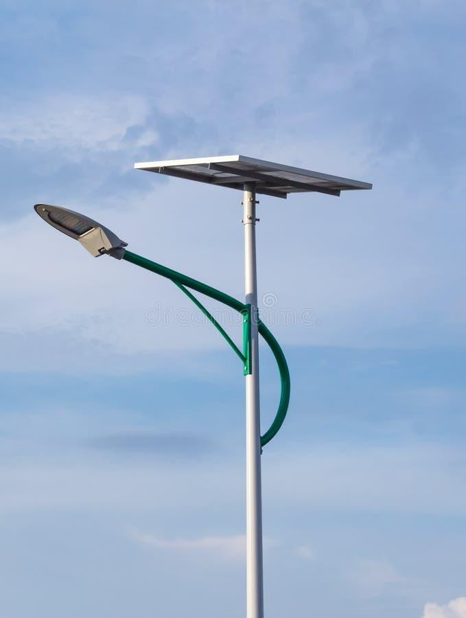 Energia solare e cielo immagini stock libere da diritti
