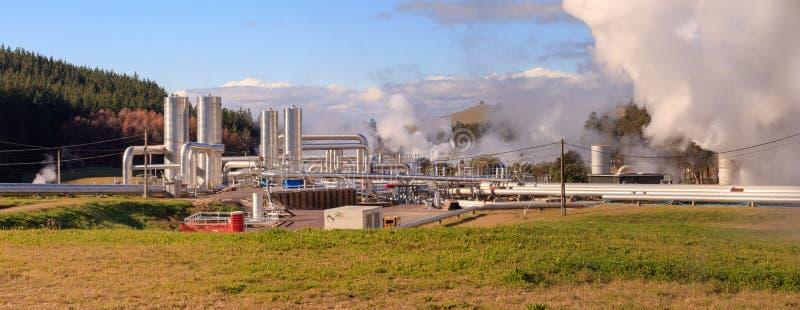 Energia verde, central elétrica geotérmica imagem de stock royalty free