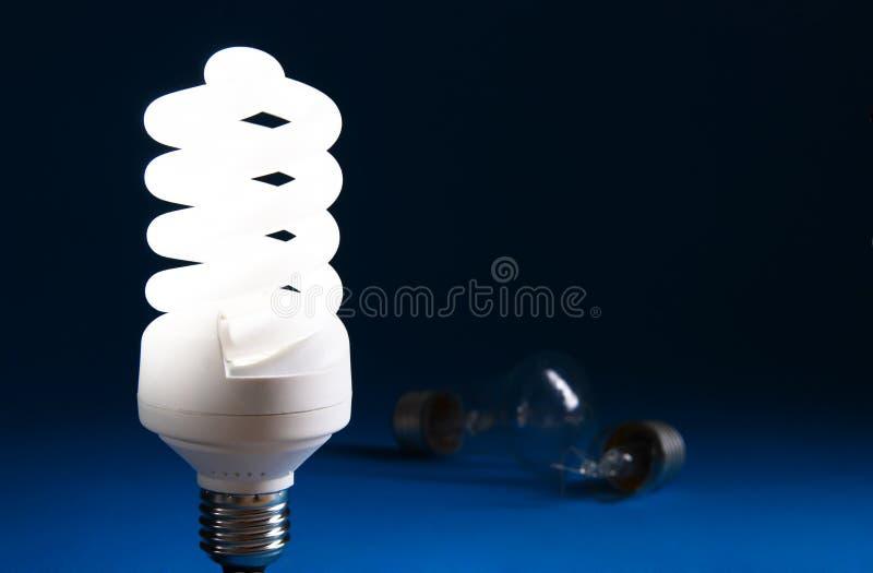 Energie - besparing lightbulb stock afbeeldingen
