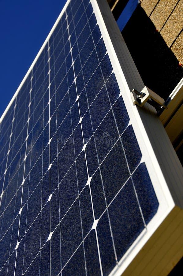 Energie die Zonnepaneel produceert royalty-vrije stock foto