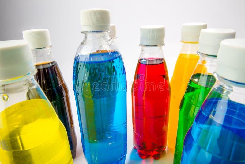 Energiegetränke In Den Bunten Plastikflaschen Stockbild - Bild von ...
