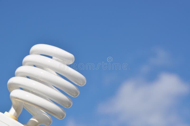 Energiesparende Glühlampe stockfotos