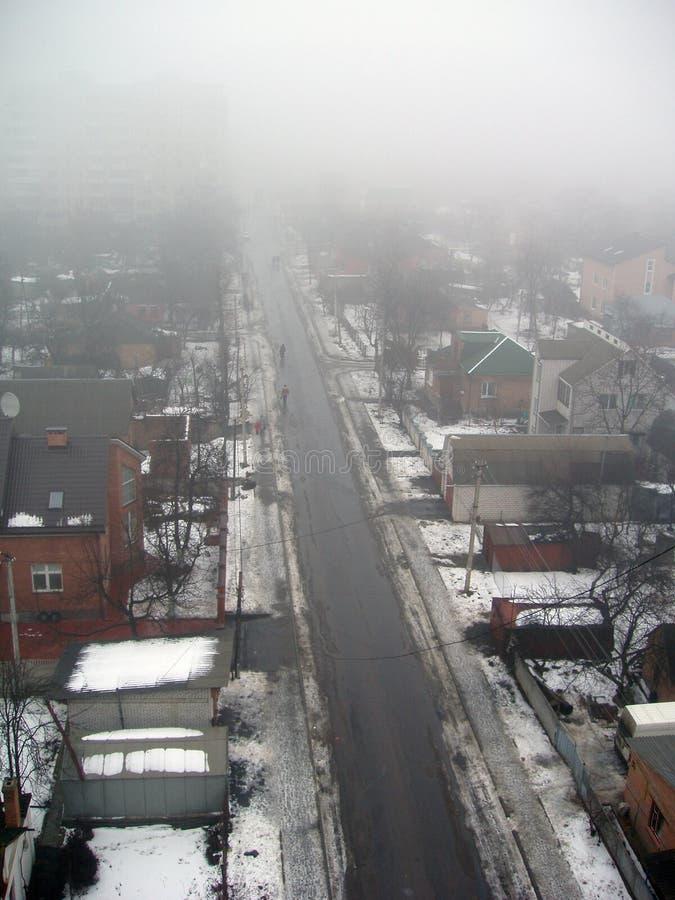 Download Enevoado foto de stock. Imagem de telhado, névoa, neve - 542326