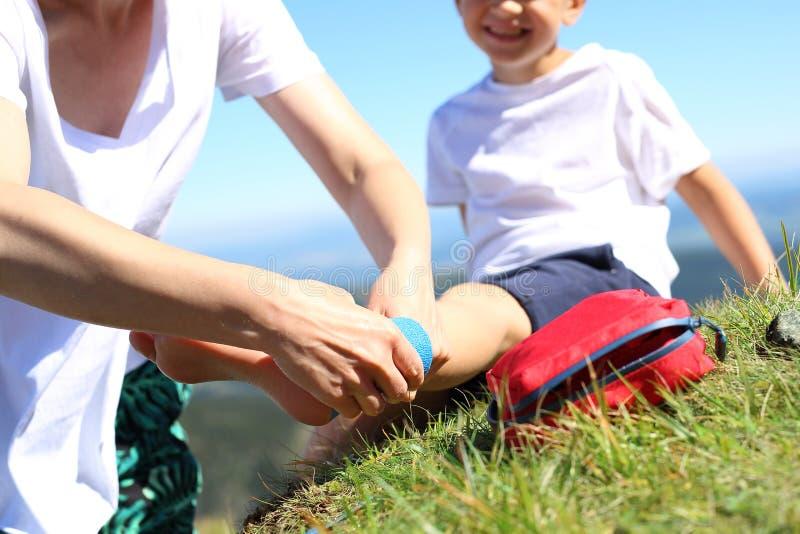 Enfaixando os pés fotografia de stock royalty free