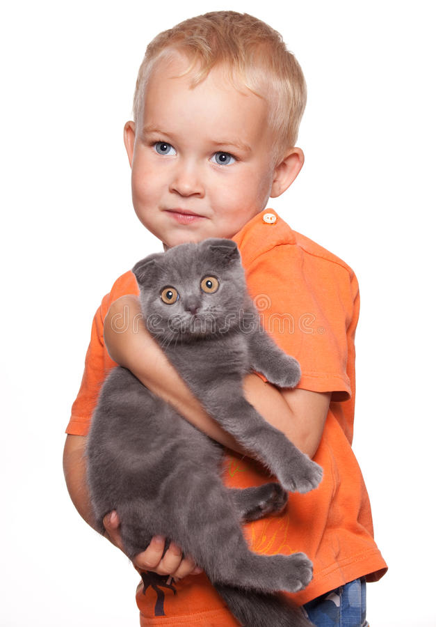 Enfant avec le chat photos stock